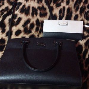 ✨Kate Spade black and white wallet & purse✨